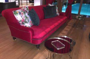 Χειροποίητος καναπές απο βελούδο